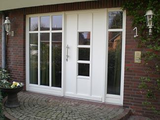 Haustüren kunststoff weiß mit seitenteil  Fenster und Türen aus Holz von Miesner Fensterbau